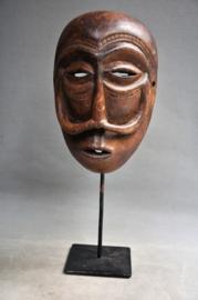 Ouder gelaatsmasker van de WAREGA stam, D.R.Congo, ca. 1970