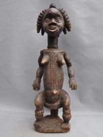Groot vrouwelijk voorouderbeeld van de AFO, Nigeria, 1960-70