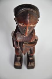 Fraai gestileerd beeldje vd BASIKASINGO stam , D.R.Congo, ca. 1980