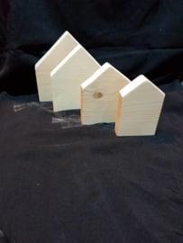 Houten huisje 9 cm x ca 14 cm