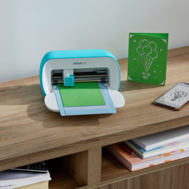 Cricut BUNDLE Joy Machine EU/UK Plug + Free Starter Tool Set