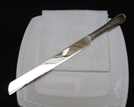 Verzilverd taartmes met parelrand