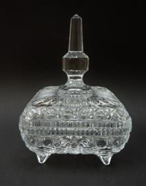 Mid Century vierkante kristallen bonbonniere op pootjes