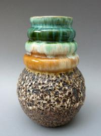Mid Century Modern studio pottery vaas met bruisglazuur