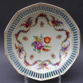 Schumann Bavaria Dresden Floral guirlandes met cameos porseleinen opengewerkte broodmand