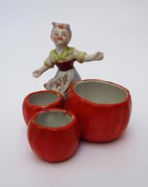 Antieke Duitse biscuit porseleinen meisjesfiguur condimentenset
