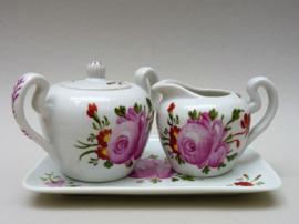 August Warnecke Ostfriesische Rose driedelig roomstel