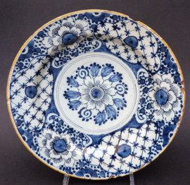 Delfts aardewerk bord 18e eeuw