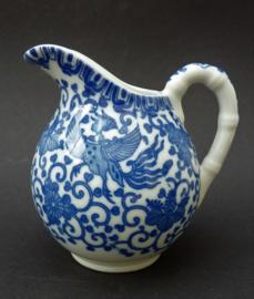 Japanse Arita blauw wit porseleinen Phoenix melkkan