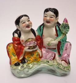 Chinees 1960 Famille Rose porseleinen beeld HeHe Erxian twins