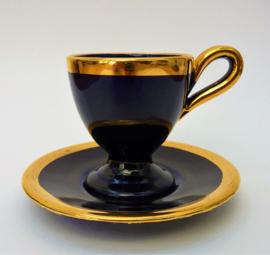 Vallauris kobaltblauwe kop en schotel met gouden bies