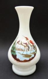 Antieke opaline vaas met kraanvogels