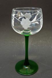 Luminarc France wijnglas met groene voet en wijnrank decoratie