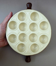 Emile Henry escargots ovenschaal 12 gaats - donkerbruin off white