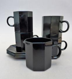 Arcoroc Arcopal octime 4 zwart glazen koffiekoppen met schotel en melkkannetje