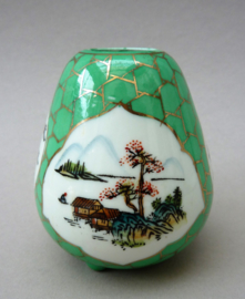 Chinees porseleinen 1970 miniatuur vaasje