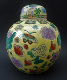 Antieke Chinese porseleinen Famille Jaune gemberpot