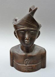Balinees houtsnijwerk buste Bruidegom