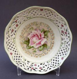 Schumann Arzberg Dresden Floral opengewerkte schaal met roos en madeliefjes
