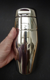 Alessi Massoni Mazzeri Modernist cocktail shaker model 872