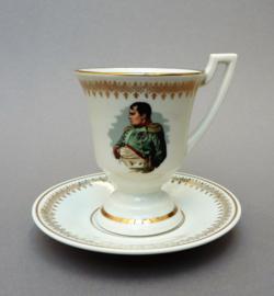 Porcelaine de Luxe France kop en schotel met Napoleon Bonaparte
