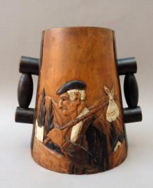 Handgestoken houten Folk Art wijnfleshouder