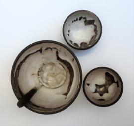 Mobach Mid Century studio pottery schaaltjes met opscheplepel