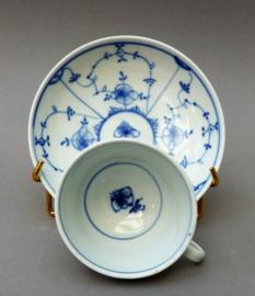 18e eeuwse Ilmenau gladde Strohblumenmuster porseleinen kop en schotel