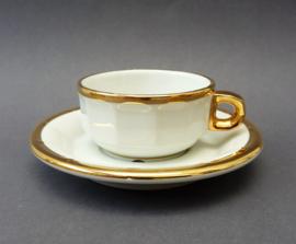 Pillivuyt petit creme kop en schotel wit met goud - 4.5 cm hoog