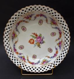 Schumann Bavaria Dresden Floral guirlande camee opengewerkte porseleinen diepe serveerschaal