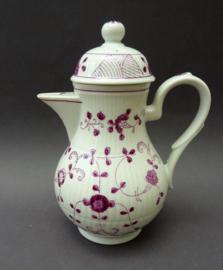 August Warnecke China Purpur koffiepot - B keuze