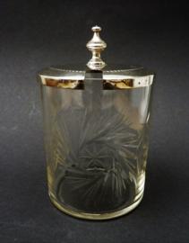Antieke geslepen glazen confiture pot met hotelzilveren deksel