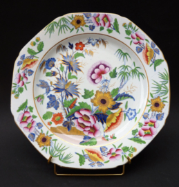 Antique porcelain and earthenware collectibles