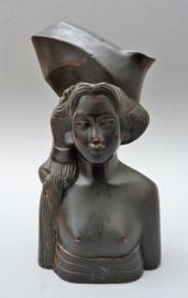 Balinees houtsnijwerk buste Bruid