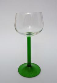 Luminarc France Emerald Elzas witte wijn glas op rechte groene voet