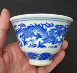 Jingdezhen porseleinen 1950 Phoenix and Dragon blauw witte theekom
