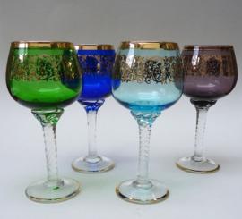 Venetiaanse gekleurde wijnglazen