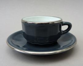 Apilco petit creme koffie kop en schotel in grijs met zilver