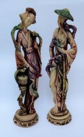 Mid Century Orientaalse kunsthars beelden man en vrouw