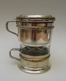 Franse Art Deco verzilverde eenpersoons koffiemaker met filter