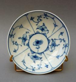 Rauenstein Greiner Strohblumenmuster porseleinen schotel 18e eeuw