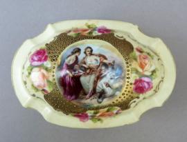 Antiek Oscar Schlegelmilch porseleinen sieradendoosje met Boucher decoratie
