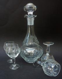 Vintage floraal gegraveerde kristallen likeur karaf met glazen