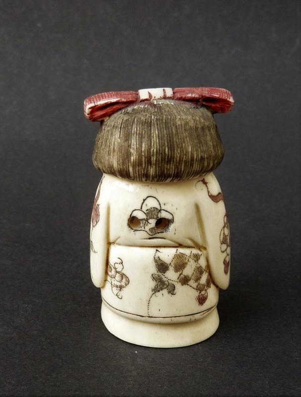 Japanese Hand Carved Antique Bone Okimono Netsuke Geisha Signed Asian Curiosities La Vitrine De Caroline