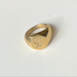 SIGNET INITIAL RING E - gold