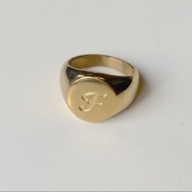 SIGNET INITIAL RING F - gold