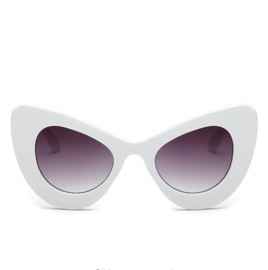 BIG CAT EYE SUNNIES - white