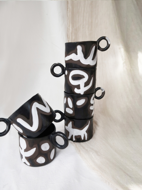 SET OF BLACK MUGS ISAJA