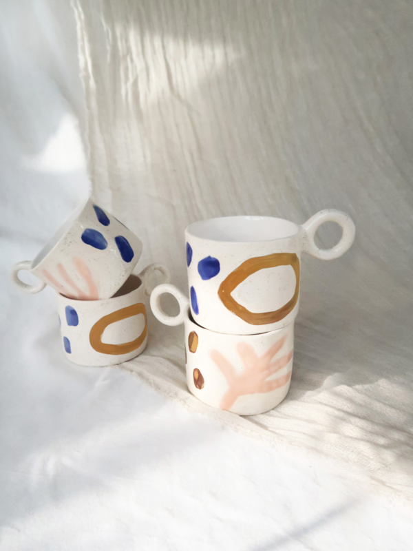 SET OF WHITE MUGS JIOU