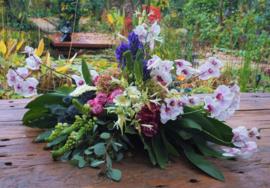 Rouwtak met orchideeën royaal
